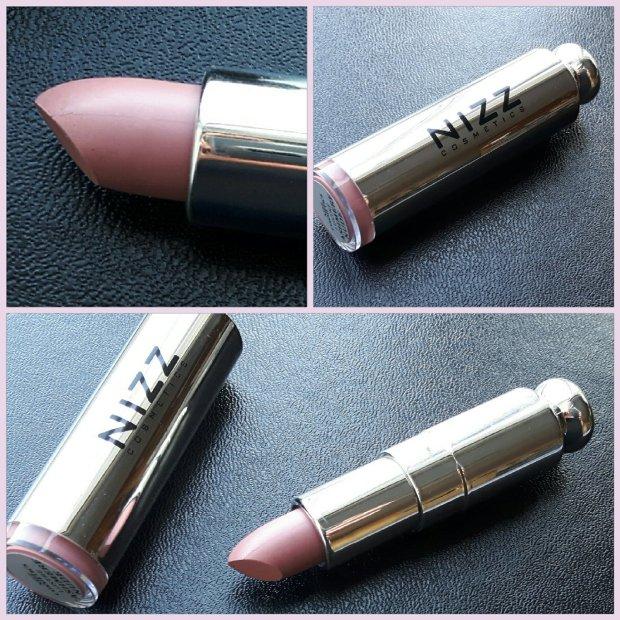 Nizz Lipstick Pic.jpg