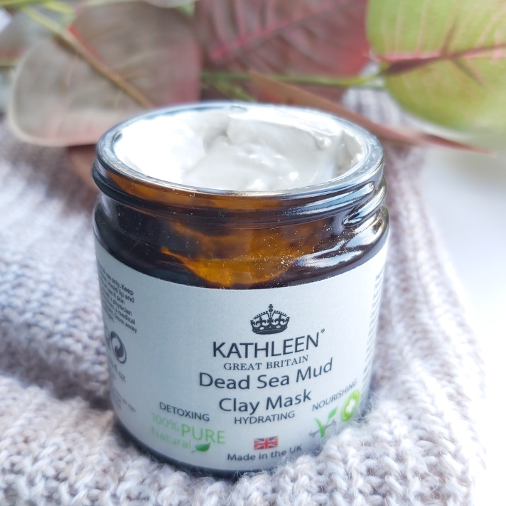 The Natural Beauty Box Replenish Box - Kathleen Naturals Face Mask open with autumn leaves and knitted throw - September Beauty Box - Review by Beauty Folio